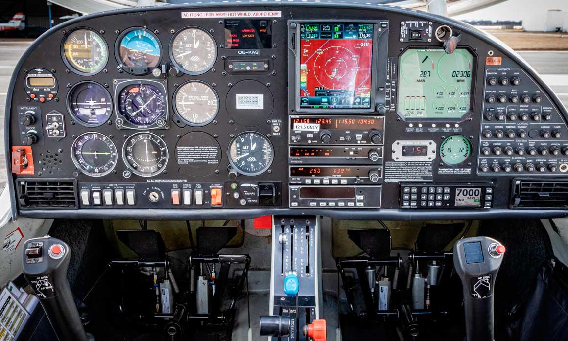 Cockpit OE-KAS, mfu-Pilotenclub